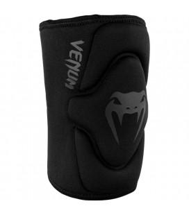 Ochraniacze kolan Venum model Kontact czarno czarne