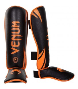 Ochraniacze na piszczele i stopy Venum model Challenger Black/orange