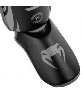 Ochraniacze nóg Venum model Challenger czarno szare