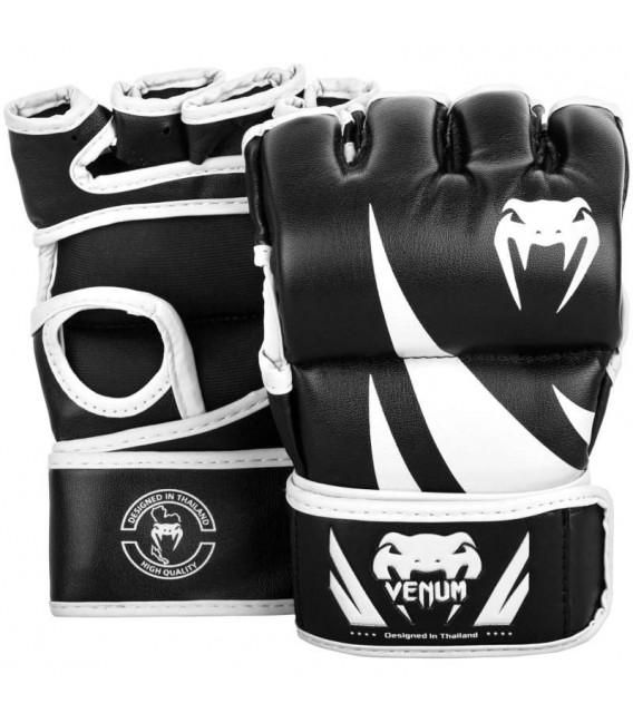 """Rękawice chwytne MMA Venum """"Challenger""""  kolor czarno białe"""